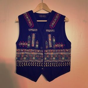 Vintage requirements brand embroidered vest!